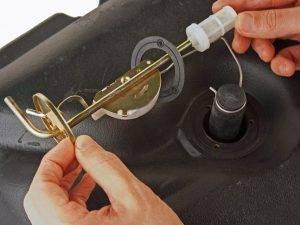 Montage d'une jauge à essence